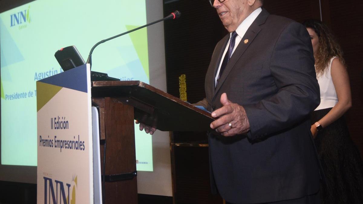 Agustín Fuentes, presidente de Transportes Agustín Fuentes e Hijos, en la gala de entrega de los Premios Innobankia.