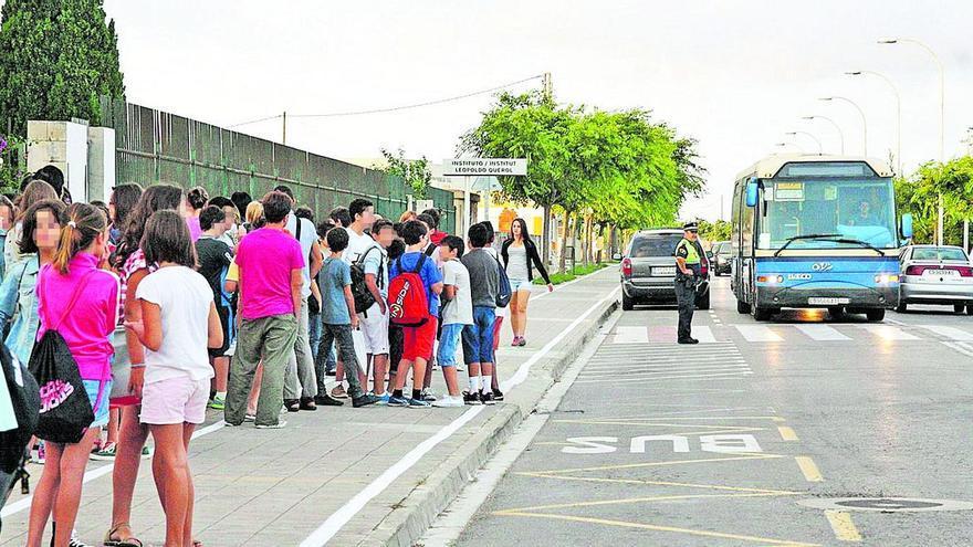Conselleria fleta un bus para excluidos de beca al transporte escolar de Vinaròs