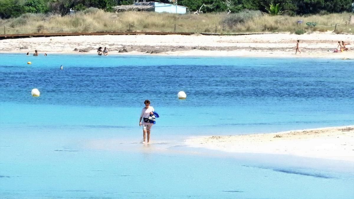 Con los bonos turísticos hay que viajar a otra isla diferente a la que se reside, en la imagen, Formentera.