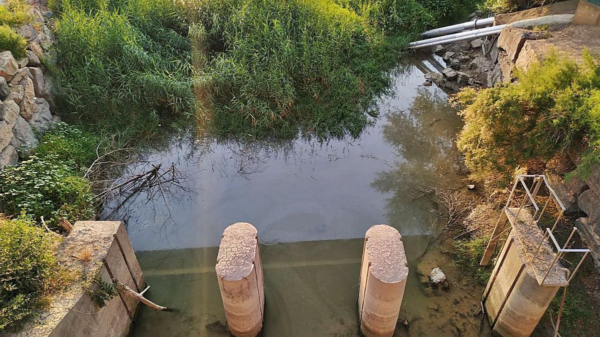 Punto de captación de agua del Ebro en el barrio de La Almozara.  | SERVICIO ESPECIAL