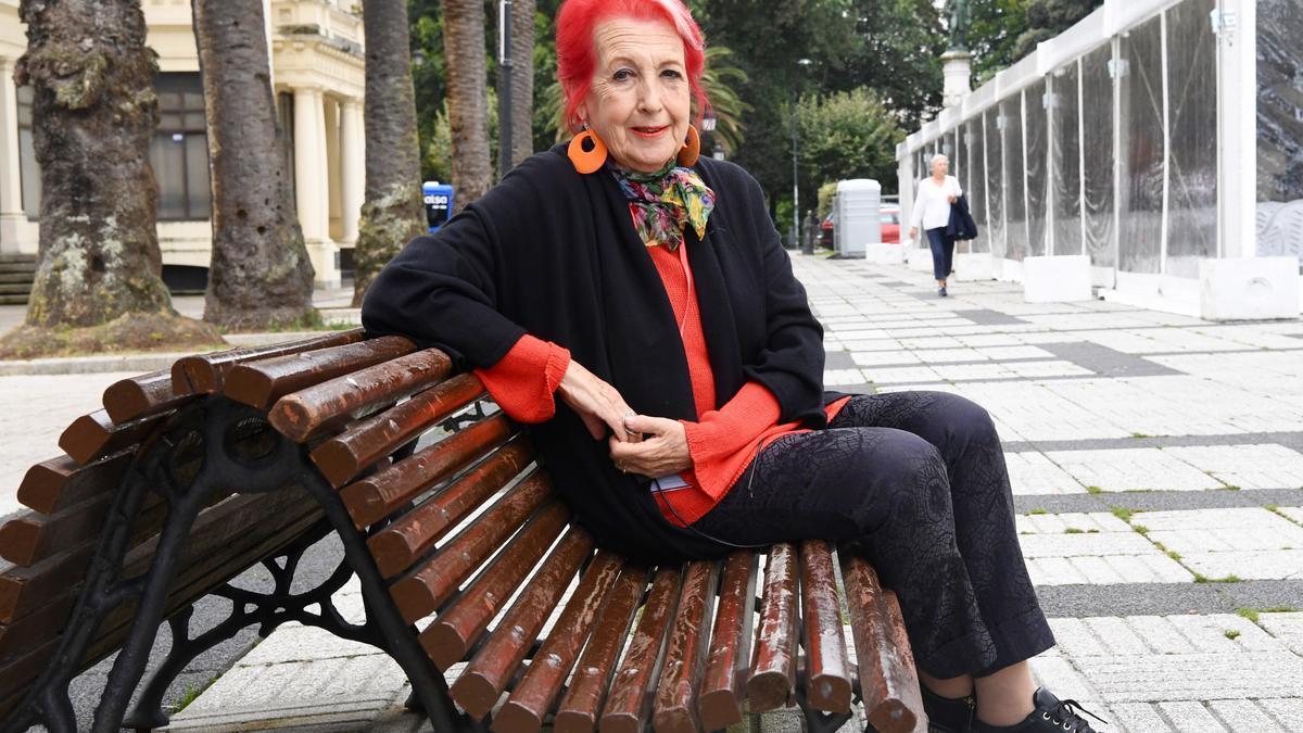 La periodista Rosa María Calaf, ayer, antes de la entrevista en Méndez Núñez.   |