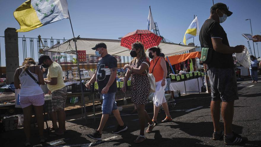 Los hospitalizados con coronavirus en Canarias se sitúan en 315 personas, 195 menos que hace un mes