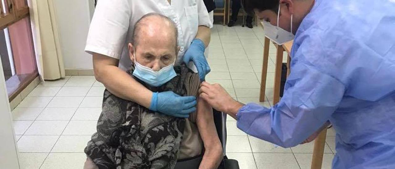 Araceli Sobero Tomé, canguesa de 102 años,