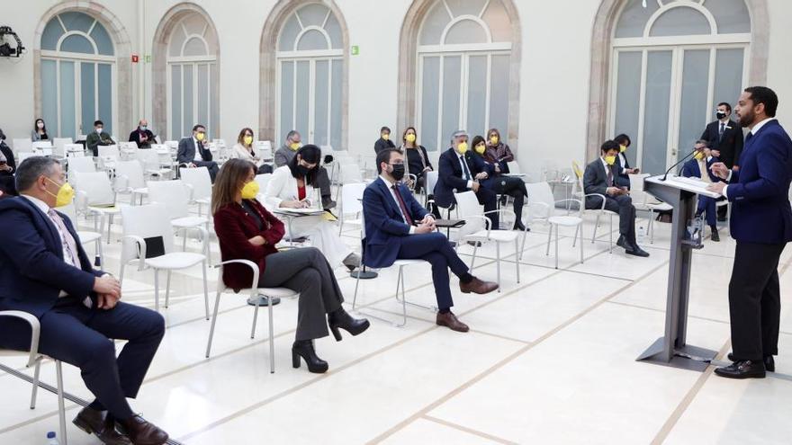 VÍDEO   Diputats de la CUP, ERC, JxCat, Comuns i el PSC marxen quan Vox pren la paraula