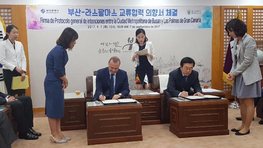 El sector naval, el gas licuado y los cruceros centran el acuerdo con Busan