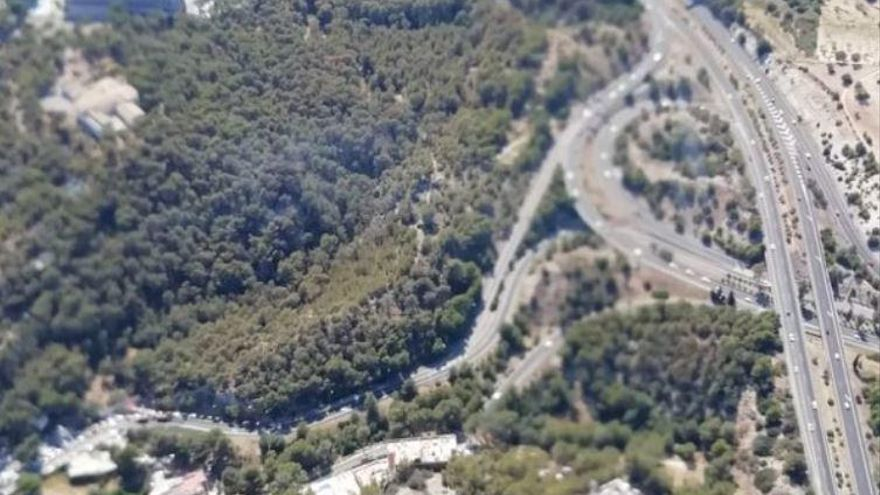 Feuerwehr löscht Waldbrand bei Cala Major