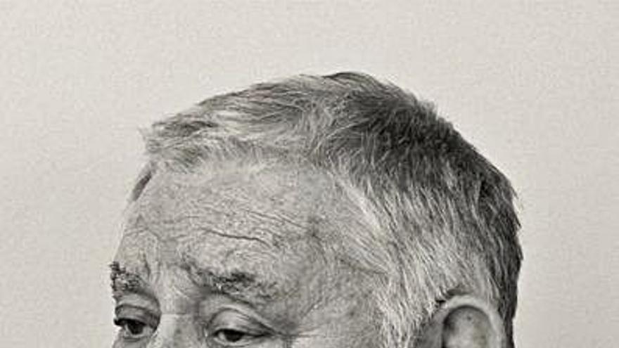 O premios Mestre Mateo recoñecen a traxectoria do dramaturgo Manuel Lourenzo