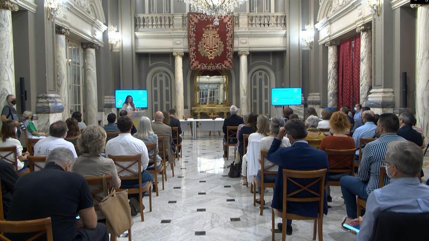 Jornada «Políticas alimentarias en emergencia climática en el marco de los Objetivos de Desarrollo Sostenible», celebrada en el Salón de Cristal del Ayuntamiento de València con motivo del Día Mundial de la Alimentación.