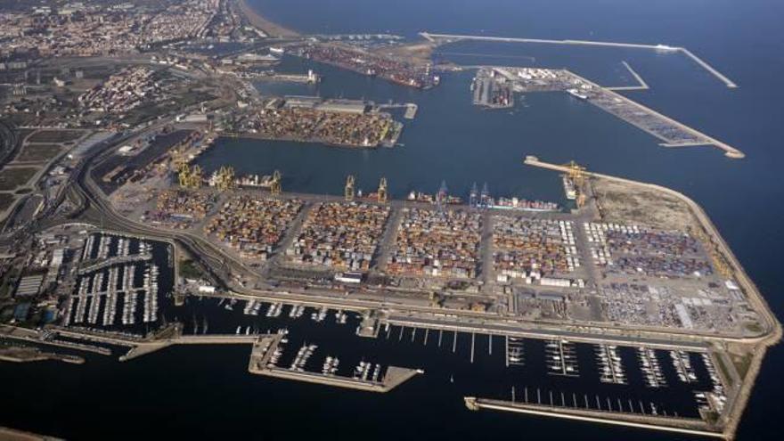 La turca Akkon elige  el Puerto de València para operar en España