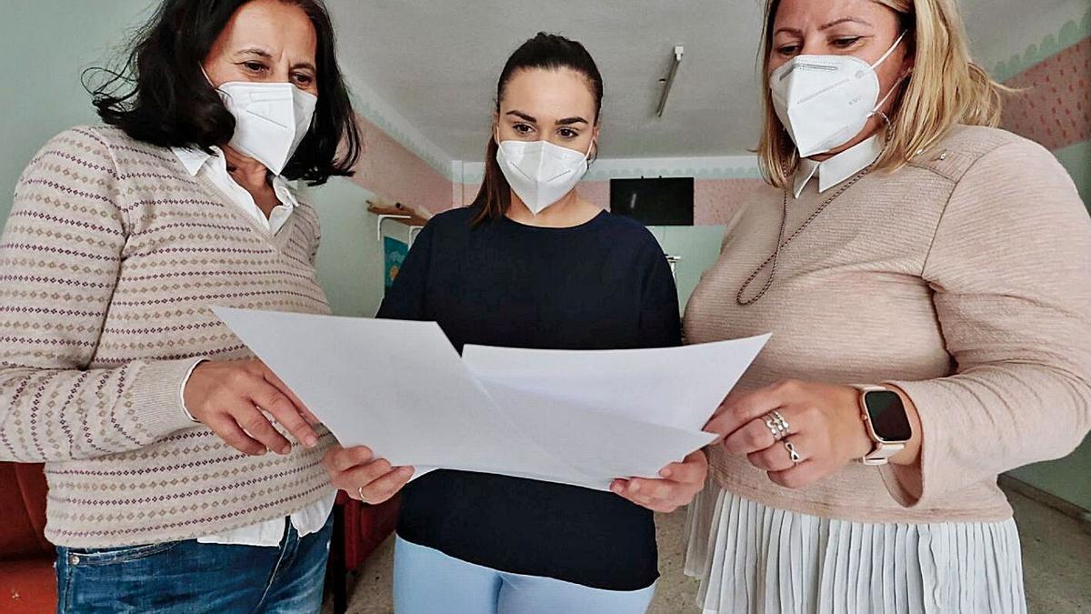 Tras empleadas –trabajadoras sociales y educadoras– del proyecto de Atacaite.