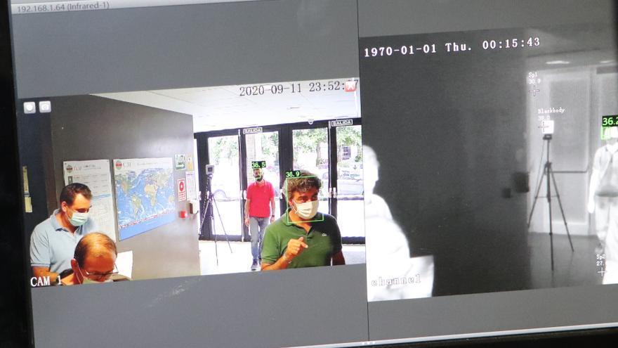 El CEU instala cámaras de medición de temperatura en el acceso a sus edificios
