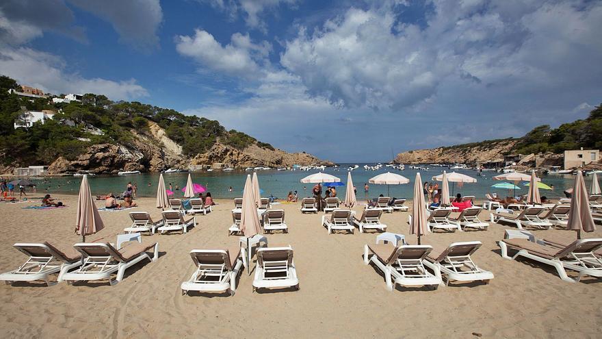 Holanda también 'castiga' a Ibiza y desata los nervios en el sector turístico