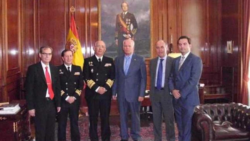 El grupo, durante el encuentro en el Cuartel General de la Armada, en Madrid.