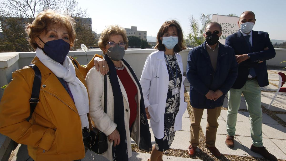 María Dolores; Carmen; la doctora Sagrario Soria, jefa de Nefrología del hospital Reina Sofía; Miguel, y Antonio, en el acto celebrado con motivo del día del Día del Riñón.
