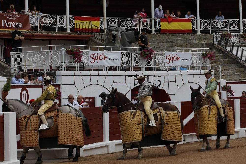 Segunda corrida de toros en El Bibio