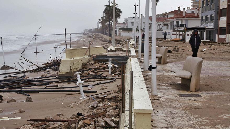 Bellreguard asume la reparación de la playa destruida ante la pasividad del Consell y del Gobierno español