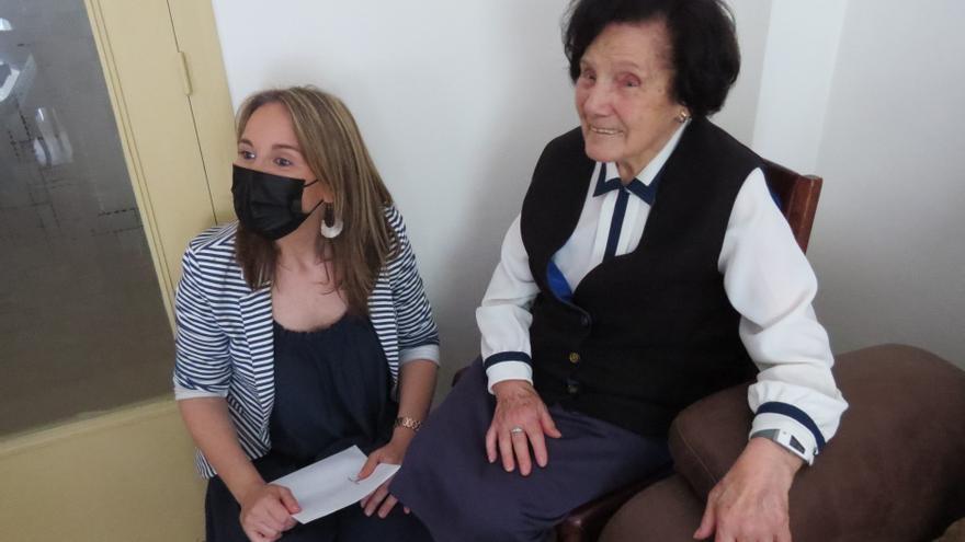 La veïna de Girona Maria Heras celebra els cent anys