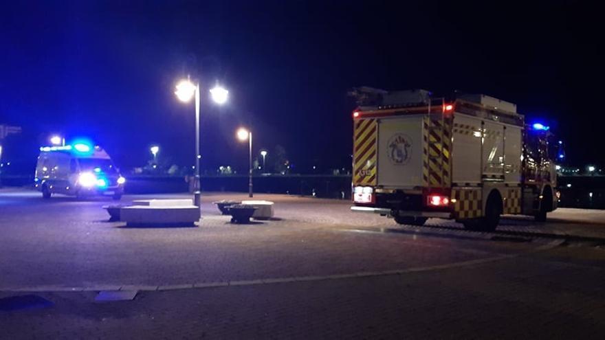 Buscan a un hombre en Vilagarcía que anoche pidió auxilio desde el mar