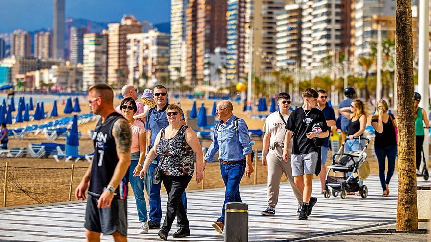 El freno del turismo y la industria rebajan la previsión de crecimiento en la Comunidad