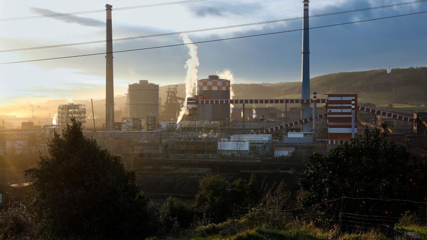 """Las inversiones previstas por Arcelor """"permitirán asentar la empresa muchos años"""", destaca el Principado"""
