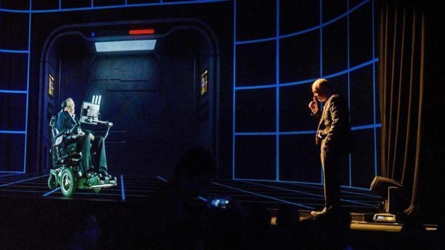 Un holograma de Stephen Hawking da una conferencia en Hong Kong
