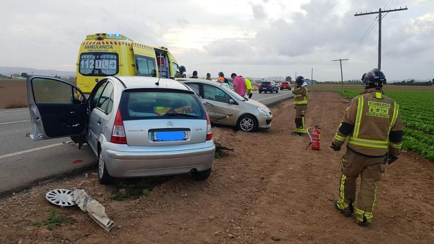 Fallece una mujer de 36 años tras una colisión entre dos coches en Torre Pacheco