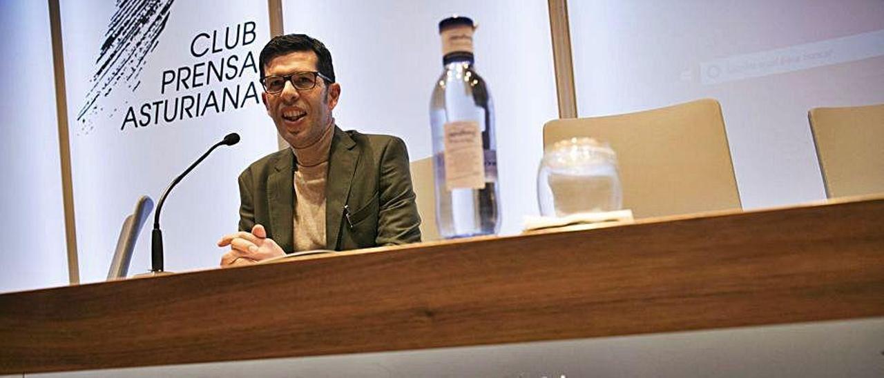 Infante, en un acto en el Club Prensa Asturiana. | Miki López