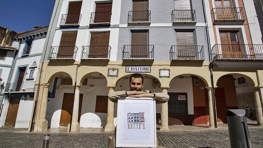 El ilustrador argentino cautivado por las fachadas del centro de Xàtiva