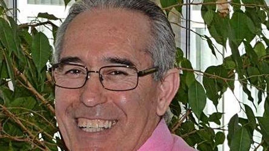 José Manuel Rubio, nuevo cura de Muelas, y Pedro Rosón, de Benegiles