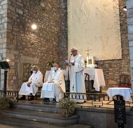 Missa en memòria de tots els vilatans morts durant el confinament que no han pogut tenir el comiat merescut en el marc de la Festa Major de Sant Salvador de Guardiola 2020
