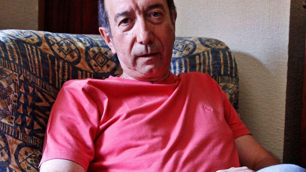 El autor Tomás Sánchez Santiago.
