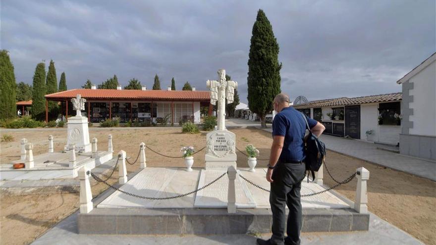 La Iglesia exhuma trece cuerpos de los 128 futuros mártires cordobeses