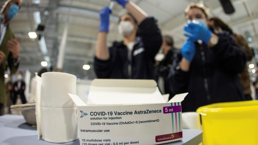 Madrid amenaza con poner la segunda dosis de Astrazeneca