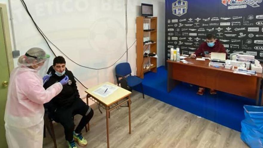 Un positivo en el Atlético Benavente obliga a aplazar el partido de mañana