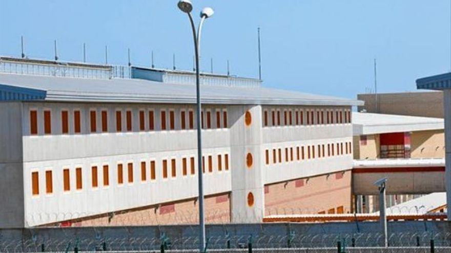 Muere en Las Palmas un preso tras prender fuego en su celda