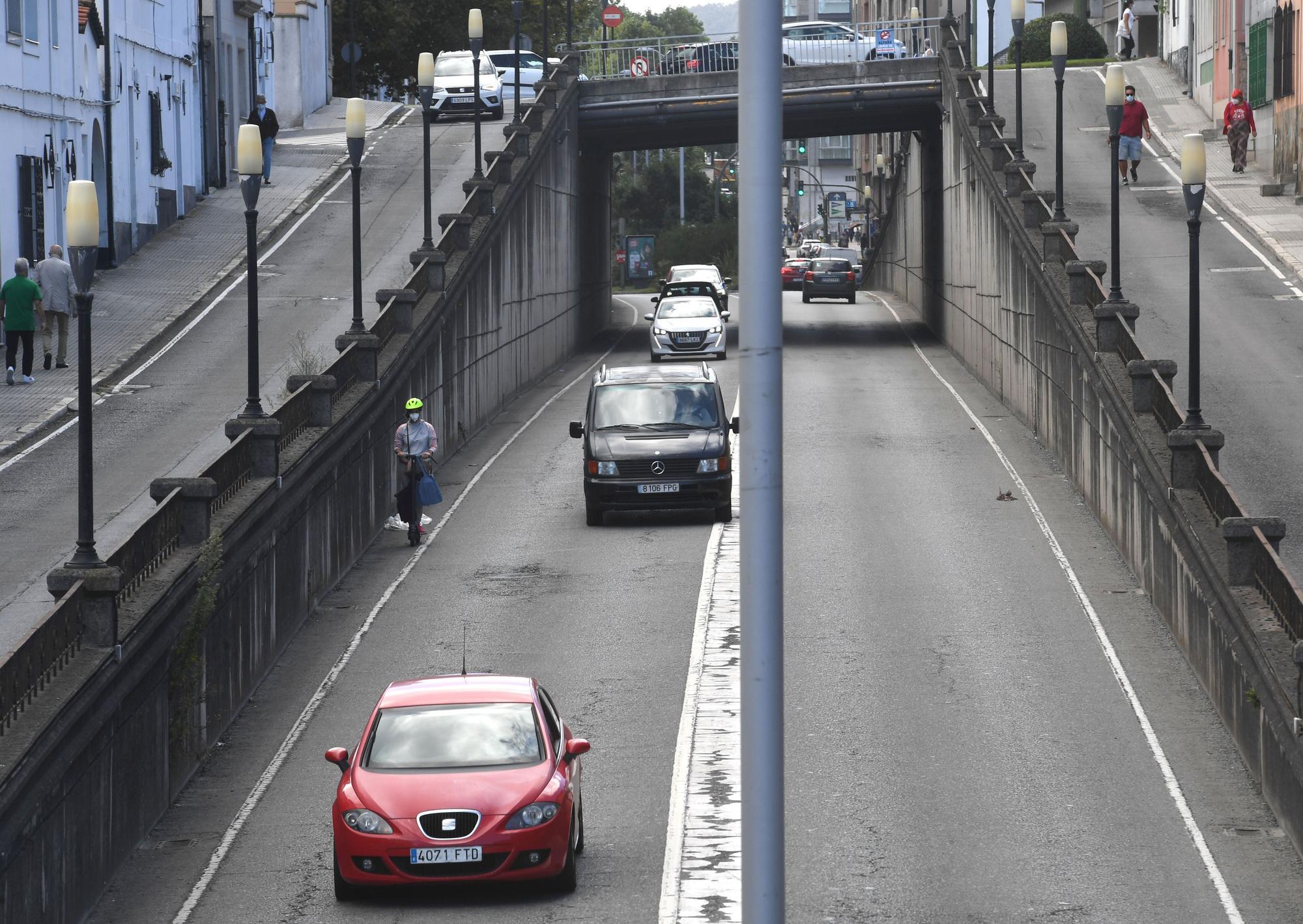 Una obra de urgencia obliga a cortar el tráfico en el cruce de Avenida de Arteixo con Ronda de Nelle
