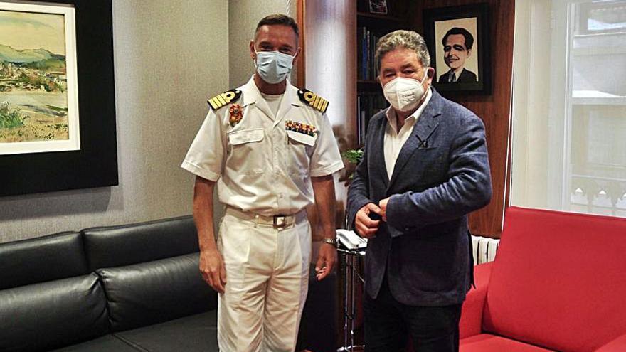 Ronda de visitas del nuevo director de la Escuela Naval