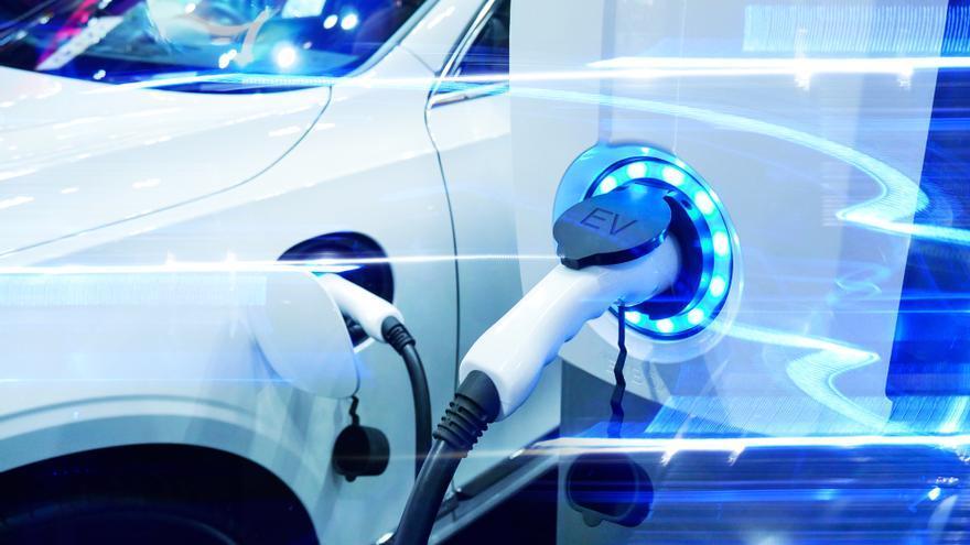 El Principado pujará por una fábrica de coches eléctricos y otra de baterías