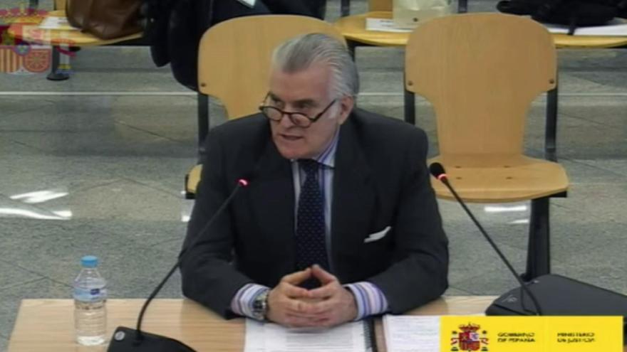 Bárcenas acusa al PP de ofrecerle 500.000 euros para manipular los papeles de la 'caja B'