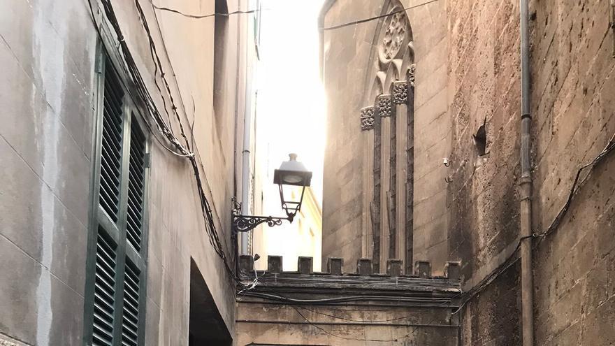 El carrer Estret de Sant Jaume vuelve a estar abierto