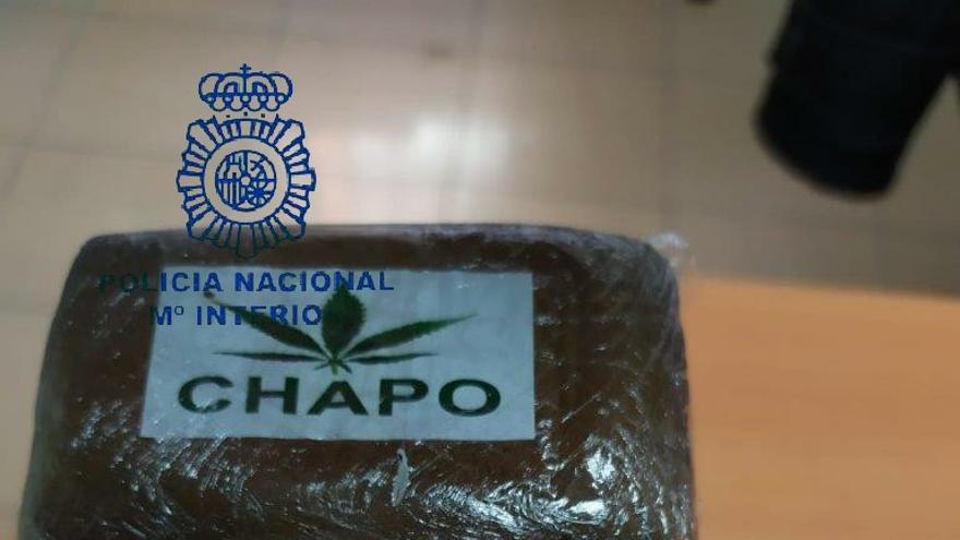 Pillan en Vallobín a un hombre de 35 años con un kilo de hachís