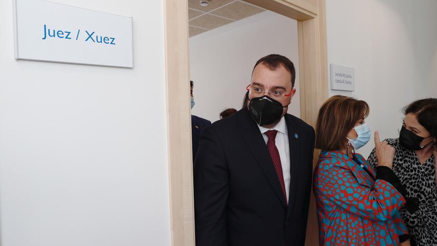"""""""Pisa poco la zona rural"""", critican a Barbón tras presumir de cuidar las alas"""