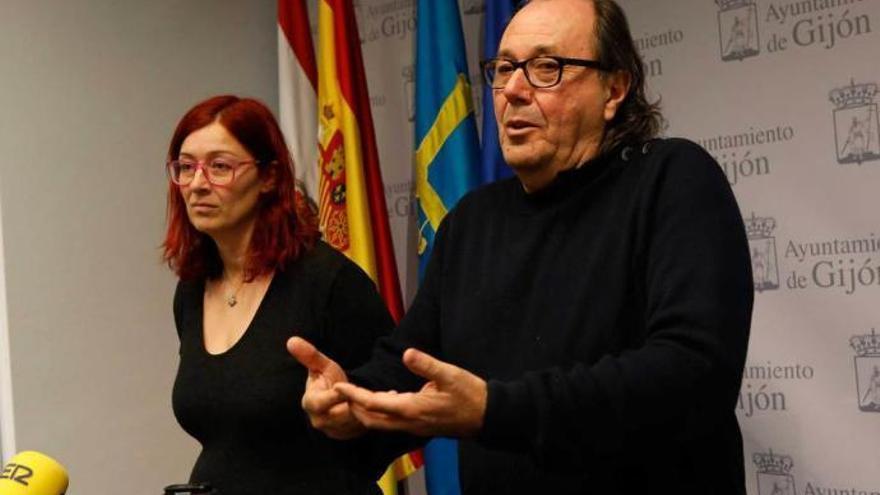 """""""Chorizos hay en el gobierno y no por ello descalificamos a la democracia"""", responde del Fueyo"""