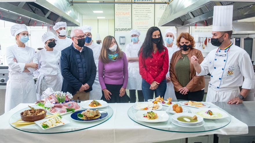Los aprendices de chef de Gran Canaria se familiarizan con la exquisitez del cabrito y ya sueñan con incluirlo en las cartas de sus restaurantes