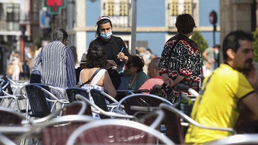 El paro baja en Asturias en julio en 3.357 personas