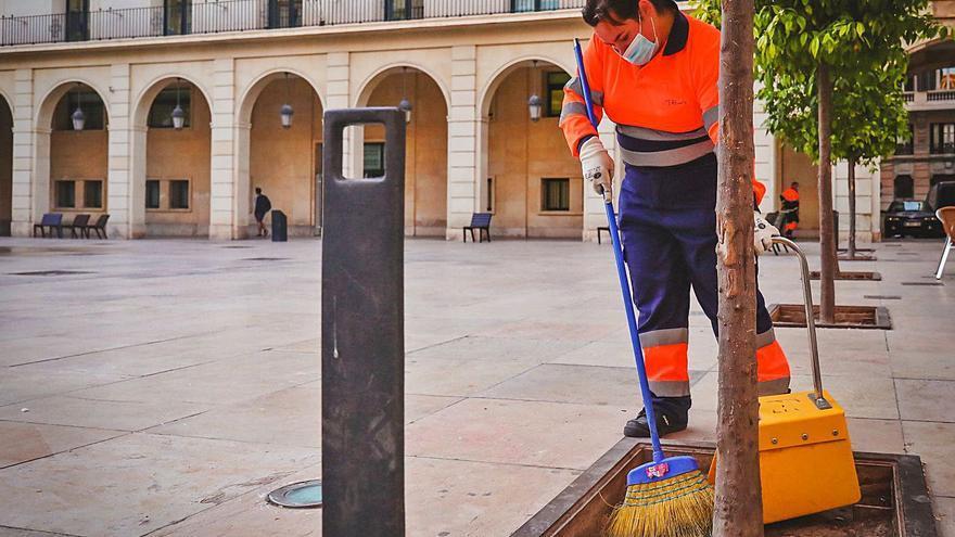 El servicio de atención al ciudadano de UTE Alicante gestiona 29.000 solicitudes al año