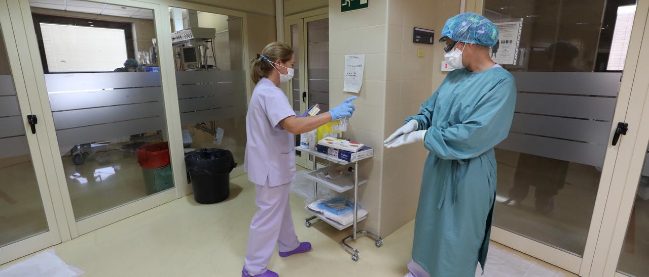 Una imagen de la UCI del Hospital General de Elche, donde hay ahora un paciente ingresado con covid