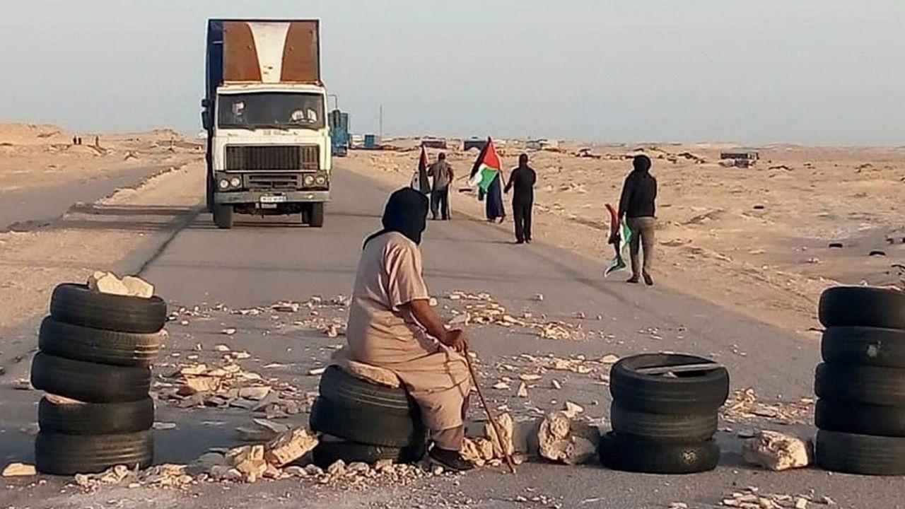Activista saharaui, ante el paso de Guerguerat
