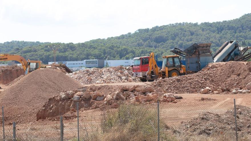 La constructora retirará la tierra de los terrenos de Matutes tras pagar 765.000 euros de multa