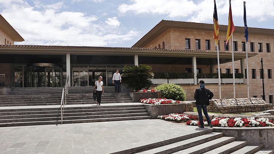 Calvià presupuesta 98,4 millones para afrontar la mayor crisis de su historia